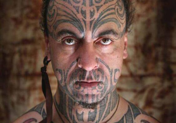 Tatuajes samoanos y sus significados - Tatuaje en la cara: los famosos tatuajes polinesios faciales