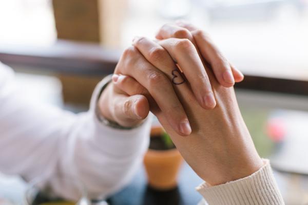 Significado de los tatuajes en los dedos - Cuál es el significado de los tatuajes en los dedos