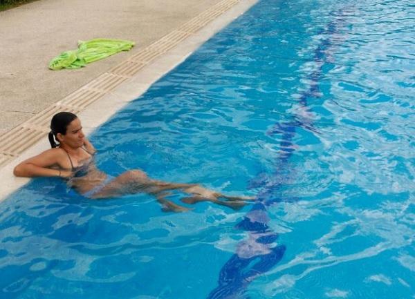 7 ejercicios en la piscina para adelgazar - Los mejores ejercicios en el agua para adelgazar