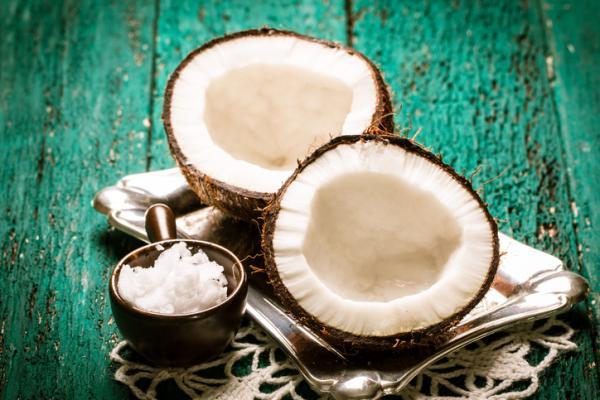 Mascarillas de aceite de coco para el cabello - Propiedades y beneficios de las mascarillas de aceite de coco para el cabello