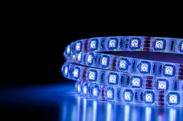 Tiras LED para la iluminación: tipos, potencias y colores - Colores de las tiras LED y mangueras