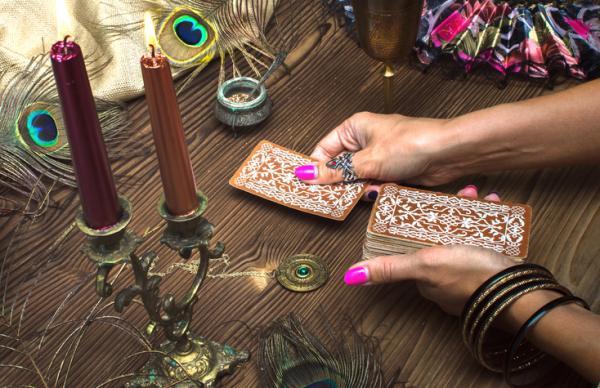 Cómo tirar las cartas del tarot para el amor - Otros tipos de tiradas de las cartas para leer el tarot del amor