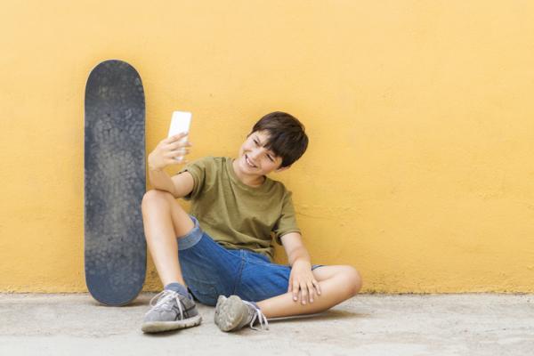 ¿A qué edad deben tener móvil los niños? - ¿A qué edad deberían tener móvil los niños?