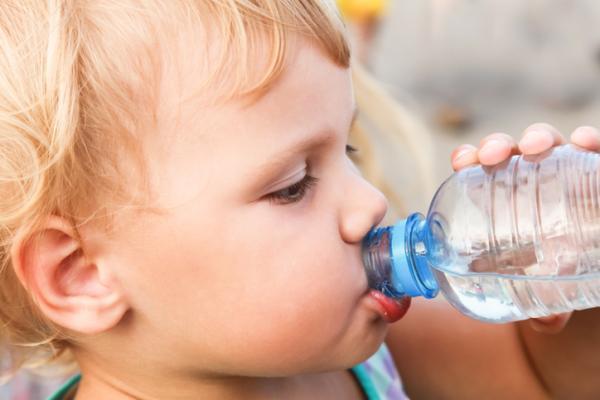 Causas y tratamiento de heces blancas - Heces blancas en niños