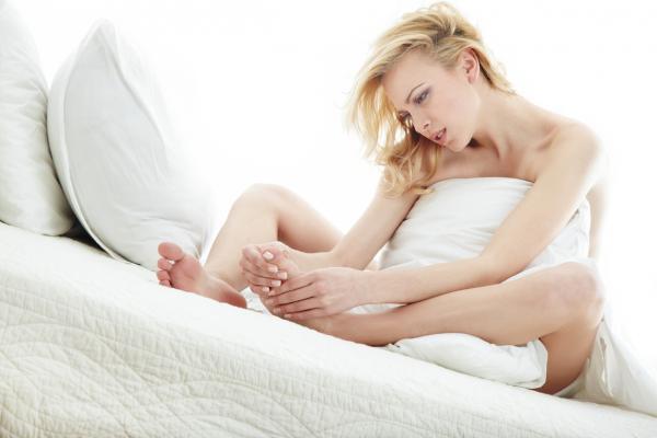 Cómo curar una herida de clavo en el pie - Qué hacer cuando te clavas un clavo en el pie