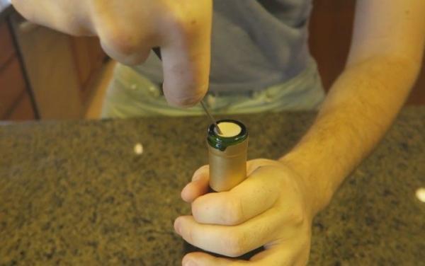 Cómo abrir una botella de vino sin sacacorchos - Cómo abrir una botella de vino con cuchillo