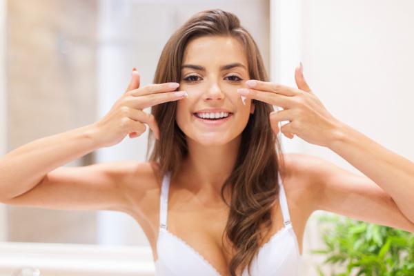 Cómo hacer cremas para cicatrices de acné - Cremas no caseras y tratamientos para eliminar las cicatrices de acné