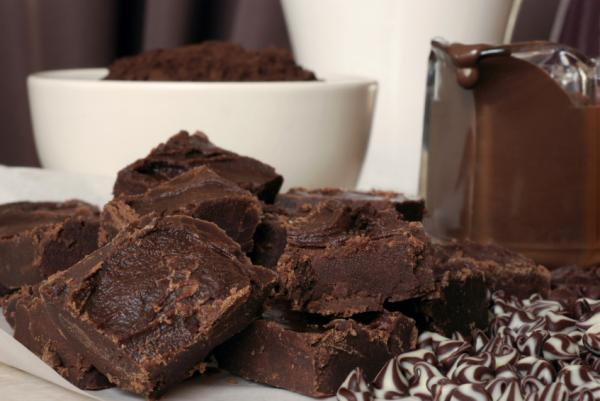 Cómo derretir el chocolate en el microondas - Paso 1