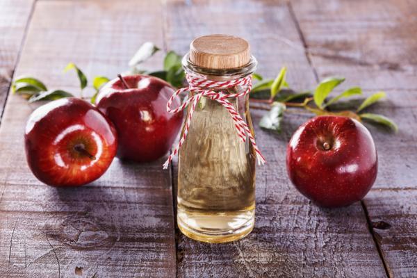 Cómo curar la tiña inguinal con remedios caseros - Vinagre de manzana para tratar la tiña inguinal