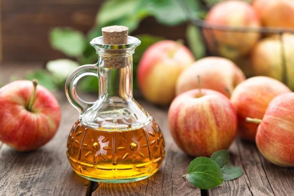 Remedios caseros para irritación en el ano - Tratar los picores con vinagre de manzana