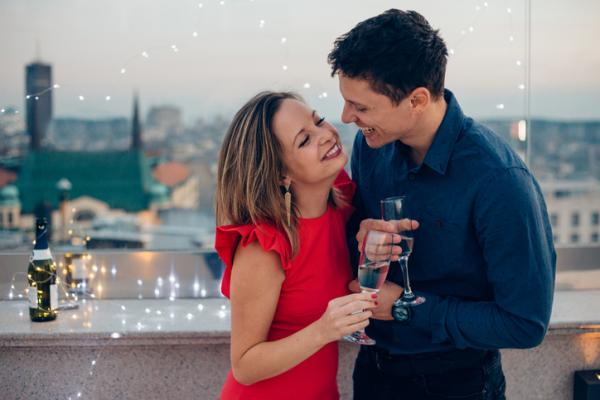 Juegos para beber en pareja - Juegos para beber en pareja: la moneda