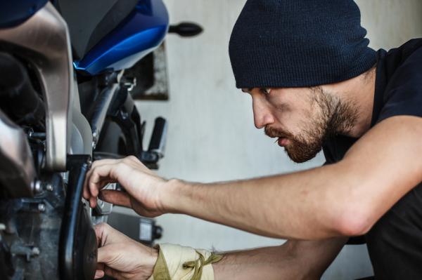 Cómo saber si el regulador de mi moto está dañado - Cómo comprobar que el regulador está fallando