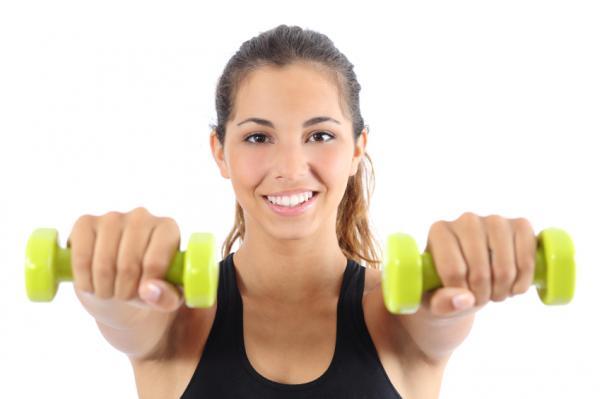 Cómo hacer ejercicios de remo con mancuerna - Ejercicio del remo doble con mancuernas