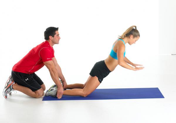 10 ejercicios para los isquiotibiales - Curl nórdico
