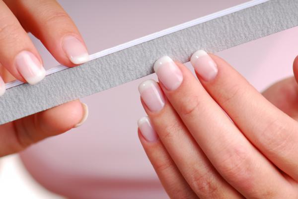 Cuánto tardan en crecer las uñas - Cómo hacer crecer las uñas más rápido - consejos
