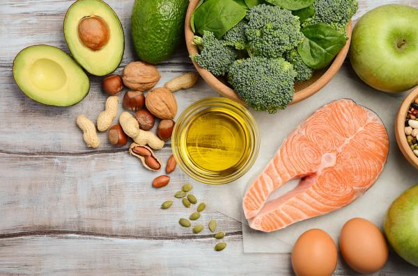 Cómo evitar las canas - Alimentos que activan la melanina para evitar las canas