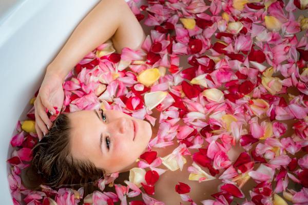 Para qué sirve el agua de rosas - Agua de rosas para combatir el estrés