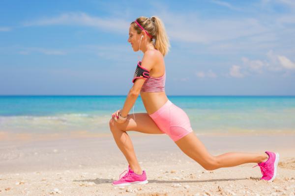 14 ejercicios de flexibilidad - Step back squat