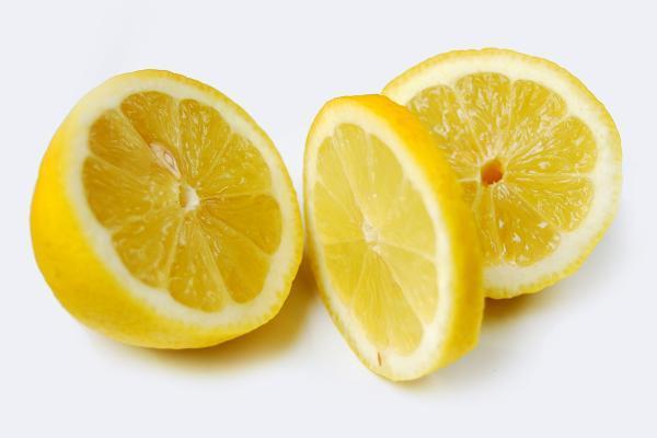 Cómo limpiar el latón - Cómo limpiar el latón con zumo de limón