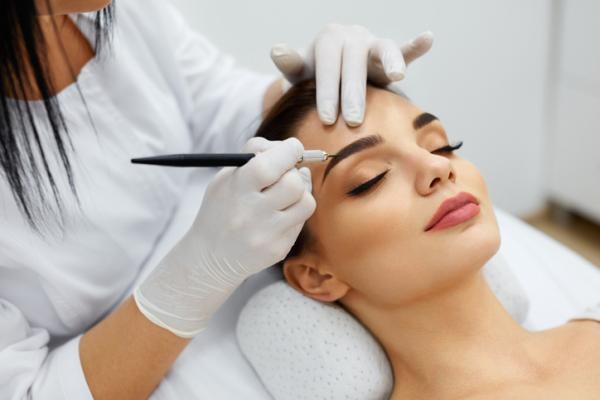 Cuánto tardan en crecer las cejas - Tratamientos clínicos para hacer crecer las cejas