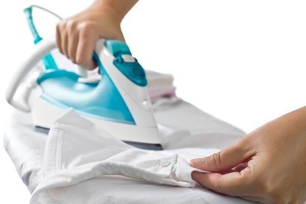 Cómo quitar pegamento de la ropa - Cómo quitar pegamento de la ropa con la plancha