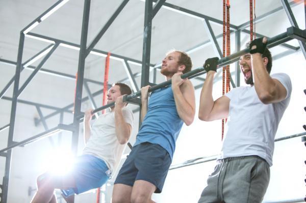 Rutina de ejercicios para aumentar masa muscular en el gimnasio - Ejercicios para ganar masa muscular en casa: dominadas