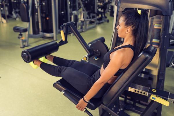 Ejercicios para subir de peso - Extensiones de pierna