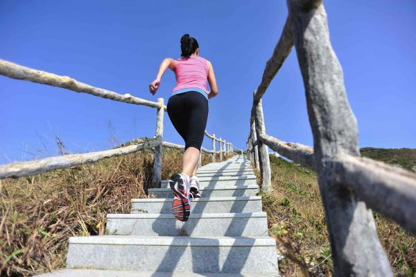 Ejercicios para subir de peso - Subir escaleras