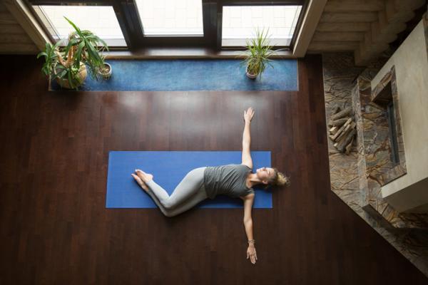 10 ejercicios para el dolor de cintura - Ejercicios para la espalda lumbar: giro de cintura