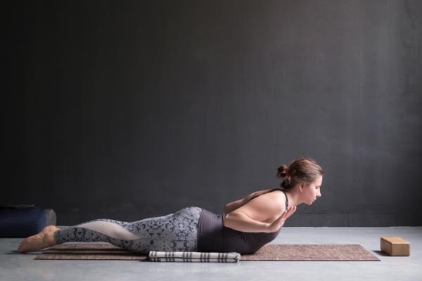10 ejercicios para el dolor de cintura - Ejercicios para alinear la columna correctamente