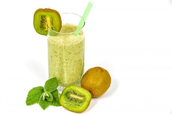 +13 bebidas para adelgazar - Jugo de kiwi