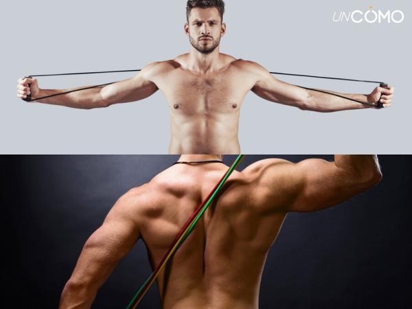 Ejercicios con bandas elásticas para hacer en casa - Ejercicio con bandas para definir la espalda