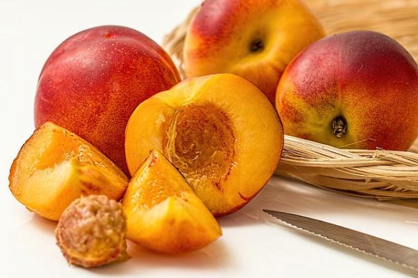 8 frutas para la gastritis - Durazno o melocotón