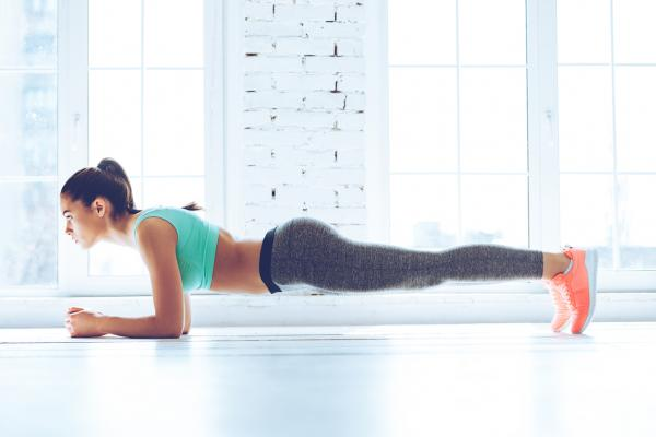Ejercicios para bajar la barriga - Planchas frontales para perder barriga rápidamente