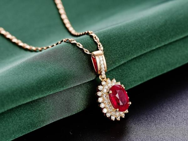 Nombres de piedras preciosas y su significado - El rubí, el secreto del éxito