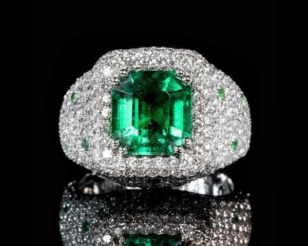 Nombres de piedras preciosas y su significado - Esmeralda, la piedra del bienestar y la esperanza