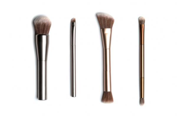 Tipos de brochas de maquillaje y usos - Usos de las distintas brochas de maquillaje para el rostro