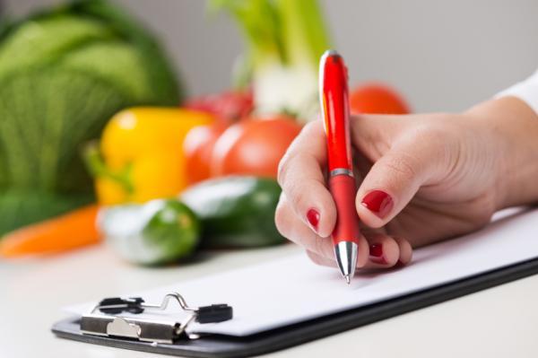 Alimentos prohibidos para el colon irritable - La base de la dieta para el colon irritable