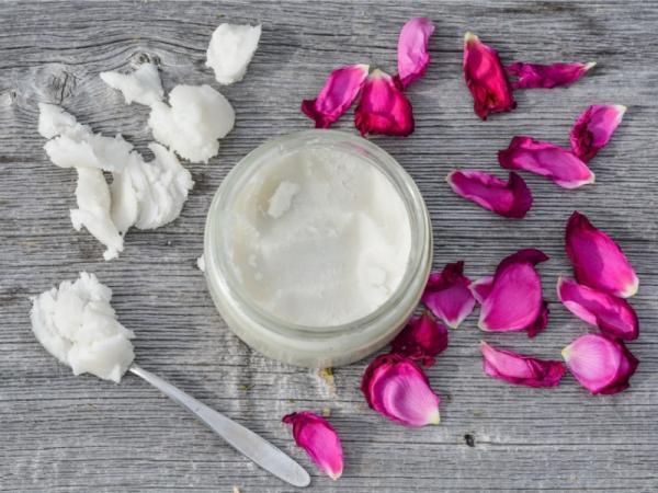 Aceite de coco para el cuerpo: beneficios y cómo usarlo