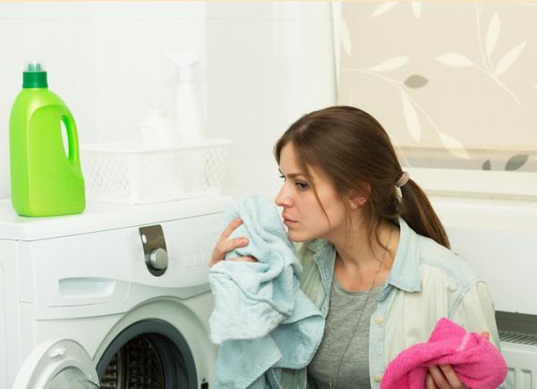Cómo limpiar la lavadora por dentro - Antes de limpiar la lavadora por dentro evita el mal olor y el moho