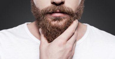 Cómo aplicar el aceite de ricino para hacer crecer la barba