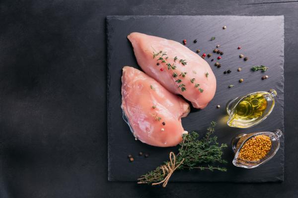 Cómo sazonar el pollo: 6 maneras - Cómo sazonar pollo al horno con aceite de oliva y especias