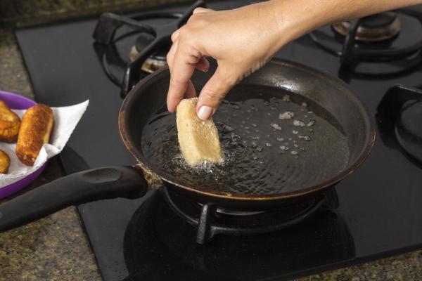 ¿Se puede congelar la masa de las croquetas? - Cómo freír las croquetas congeladas caseras