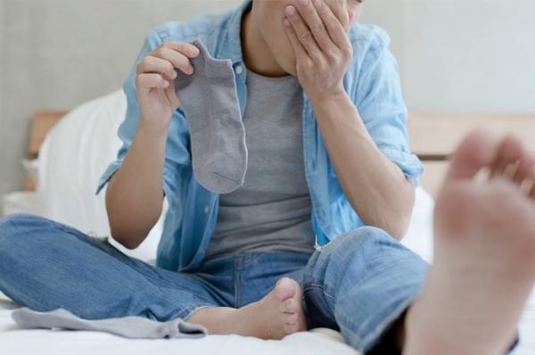 Cómo usar vinagre de manzana para los pies - Elimina el mal olor de pies