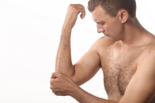 Qué significa tener dolor en el brazo derecho - Dolor en el brazo derecho por lesiones en músculos, tendones y ligamentos