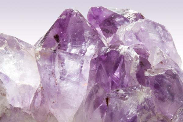 Las mejores piedras para Virgo - lista completa - Amatista