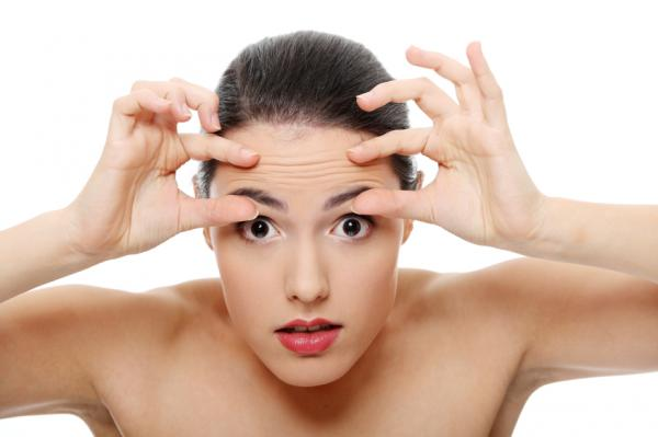 Cómo eliminar las líneas de expresión de la frente - los mejores consejos - Tratamientos estéticos para eliminar las arrugas de la frente sin cirugía