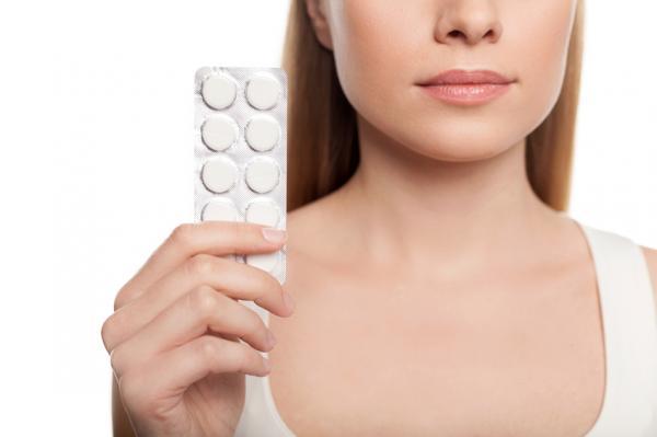 Cómo aclarar el cuello oscuro rápido - tratamientos muy efectivos - Mascarilla de aspirina para aclarar la piel del cuello