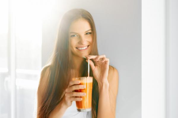 Jugo de zanahoria y manzana para tener un abdomen plano - Cómo tomar el jugo de zanahoria y manzana para tener un vientre plano