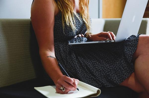 Cómo ejercitar glúteos sentada - fáciles y efectivos - Consecuencias de estar muchas horas sentado